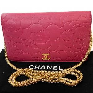 CERTIFIED AUTH. CHANEL CAMELLIA CC WALLET